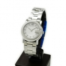グッチ 時計 レディス時計 Gラウンド シルバー YA101506